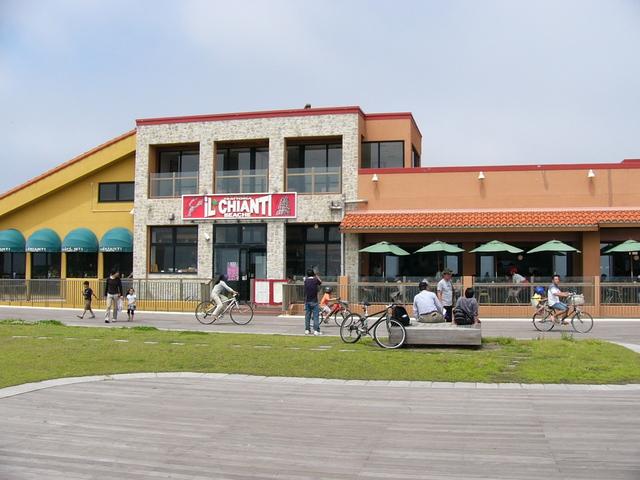 海辺に建つ湘南でも数少ないお店
