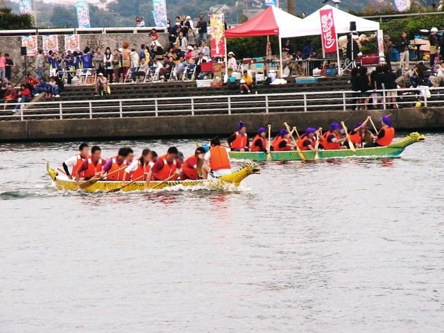江の島入り口の片瀬川河口で開催
