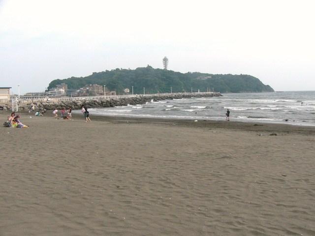 江の島はすぐ横